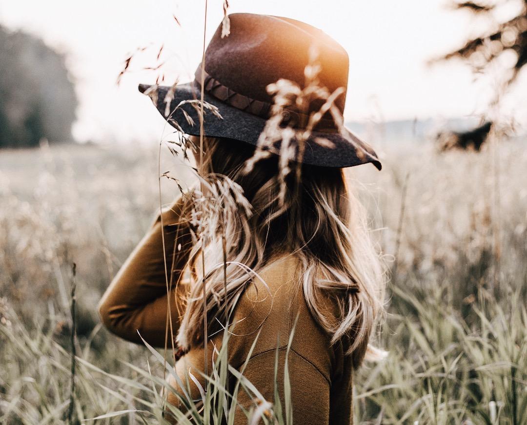 to the girl battling lonliness, herfaithinspired, bible, christian article, podcast